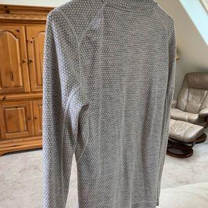 Smart wool gray top merino